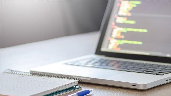Gençler kodlama öğrenerek yazılım sektöründe istihdamın parçası olabilir