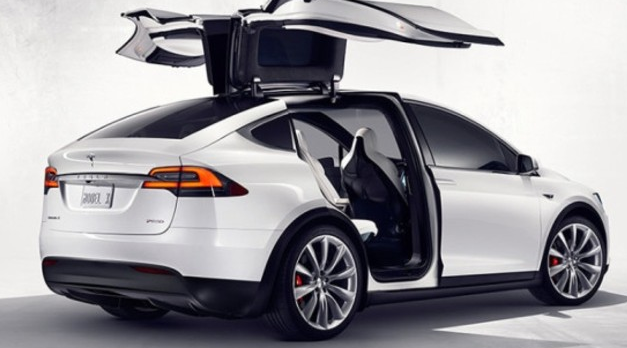 Tesla'nın sürücüsüz araçları 2018'de yollarda