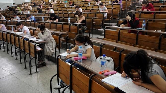 Sınav sistemi liseliyi 'yurtdışına' yöneltiyor