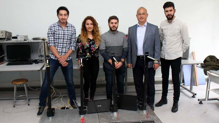 Üniversite öğrencileri akıllı sokak direkleri geliştirdi