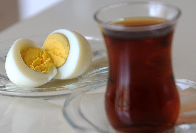 """""""Kahvaltıda yumurtanın yanında çay içmeyin"""""""