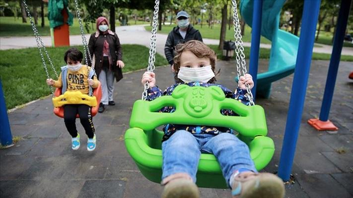 'Kovid-19 her yaş grubundan çocuğu etkileyebilir' uyarısı