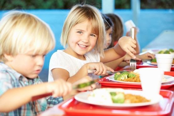 """""""Okula Giden Çocuklar Mutlaka Kahvaltı Etmeli"""""""