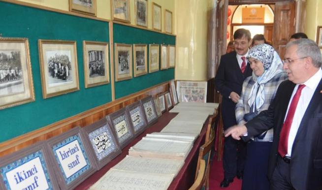 'Taş mektep'te Eğitim Tarihi Müzesi açıldı