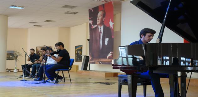 'Zeki Müren'i Okumak Zeki Müren'le Okumak' Etkinliklerinin İlki Bursa'da Gerçekleştirildi