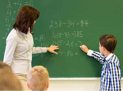 """""""Özel okul öğretmenlerinin tükenmişlik düzeyleri kadrolu öğretmenlere göre daha yüksek"""""""
