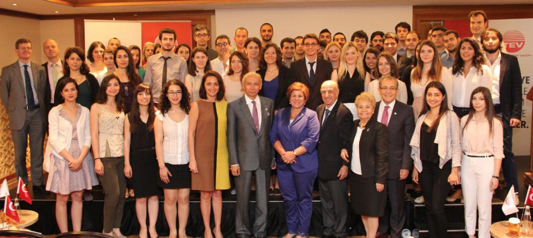 TEV'in Yurt dışı Burslarıyla 79 Genç Daha Aydınlık Yarınlara Adım Atıyor!