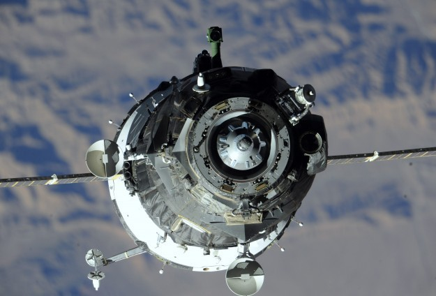 UUİ'de Görevli Astronotlar Dünya'ya Döndü