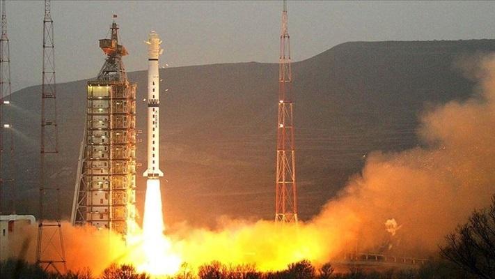 Çin dünyanın en güçlü katı yakıtlı roket motorunu test etti