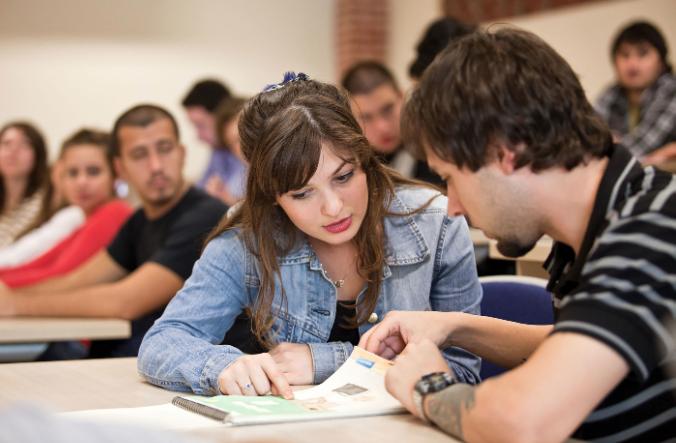 Açıköğretim Fakültesi öğrencilerine eğitim desteği