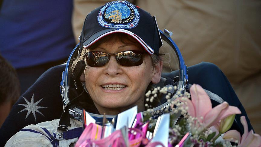 Kadın astronot Whitson 288 gün sonra dünyaya rekorlarla döndü