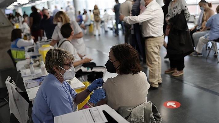 Dünya genelinde 1 milyar 670 milyon dozdan fazla Kovid-19 aşısı yapıldı
