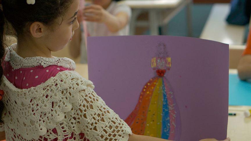 Türk ve Suriyeli çocuklar giyilebilir teknoloji ürünleri tasarladı