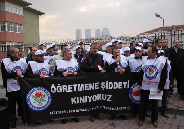 Okul müdürüne darp protesto edildi
