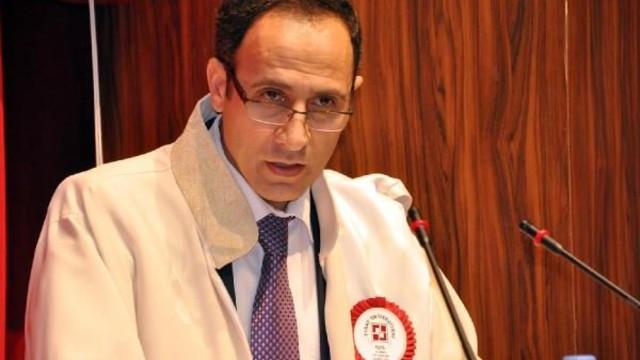 Fırat Üniversitesi Rektörü'ne bıçaklı saldırı