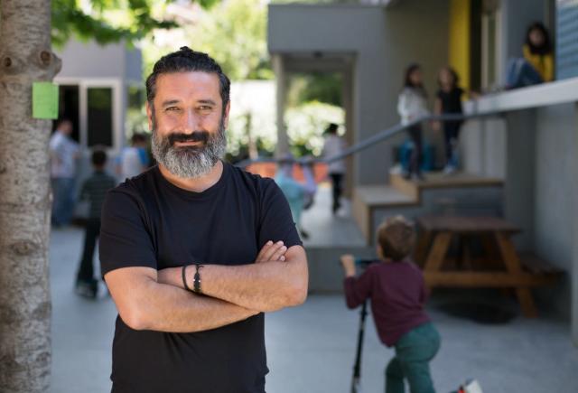 """""""HundrED Yenilikçi Eğitim Projesi""""nin Türkiye Elçisi Fide Okullarının Kurucusu Ali Koç Oldu"""