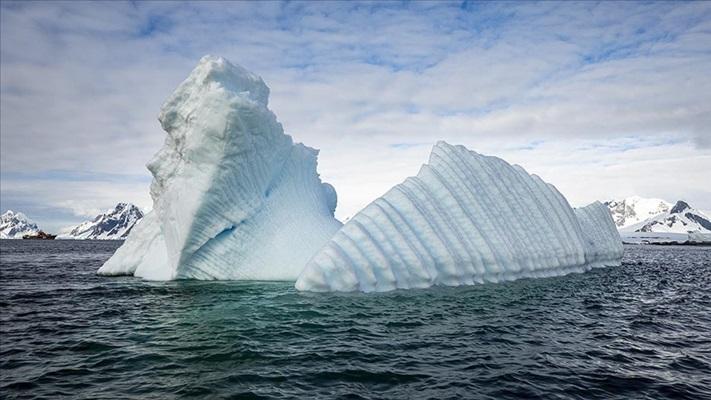 Antarktika buz sahanlığının üçte biri çökme riski altında
