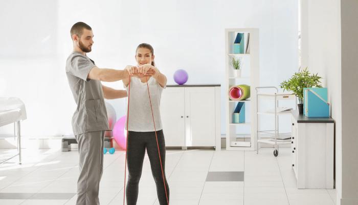 İEÜ'de 'Fizyoterapi ve Rehabilitasyon' bölümü açıldı