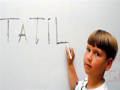 Tatilde Kendi Haline Bırakılan Çocuklar Daha Mutsuz