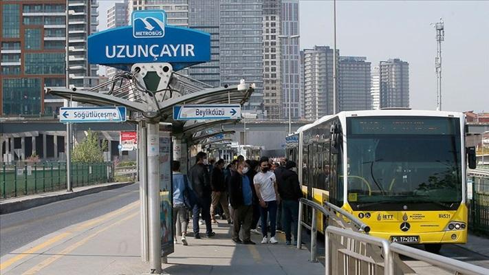 İstanbul'da ayakta yolcu taşıyan otobüs ve metrobüslerde yolcu kapasitesi kararı