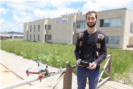 Üniversite Öğrencisi 'Drone' Üretti