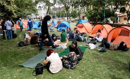 Gezi'ye Katılan 6 Öğretmene Maaş Kesim Cezası