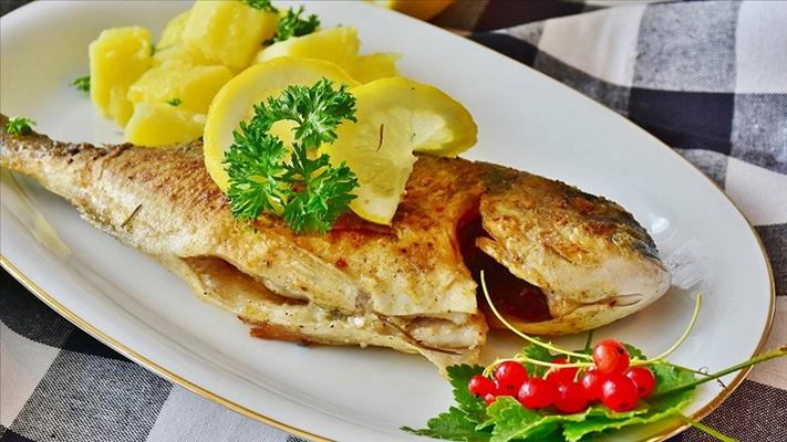 Bağışıklığı güçlendirmek için haftada 1-2 porsiyon balık tüketilmesi öneriliyor