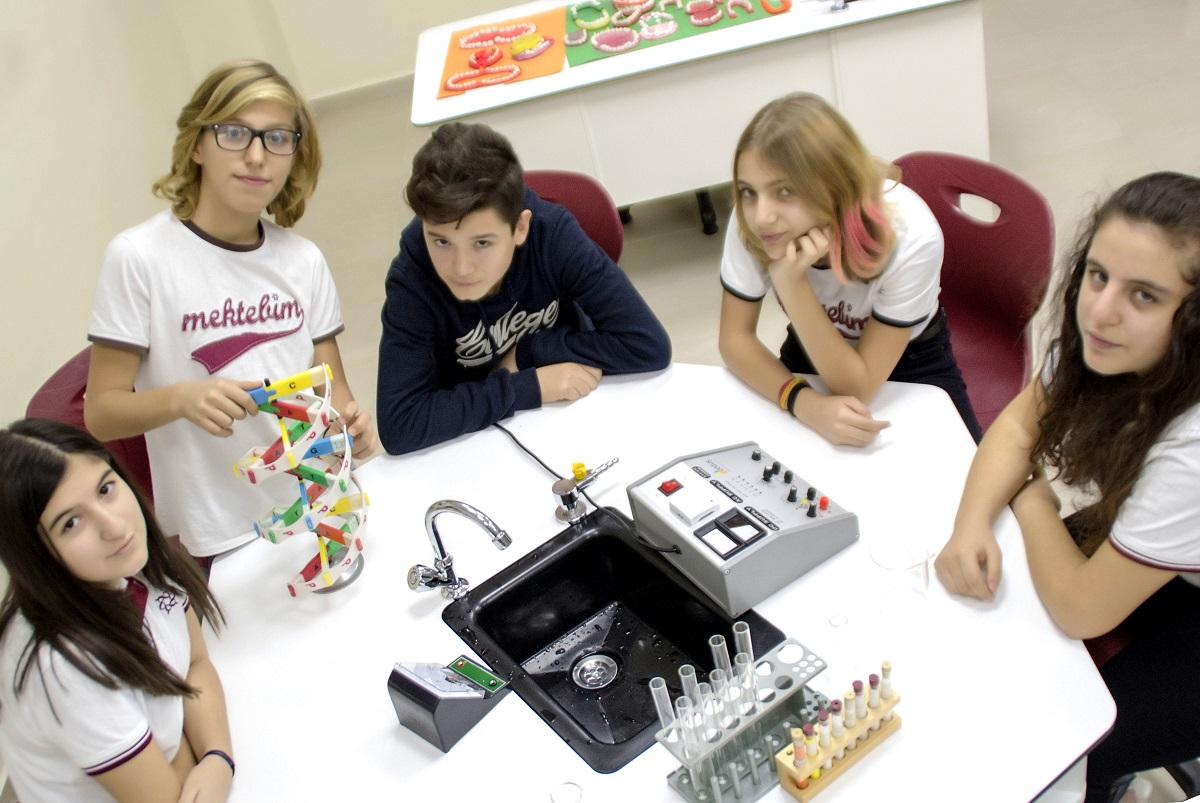 Kız öğrenciler ya kendi işini kurmayı ya da yönetici olmayı istiyor