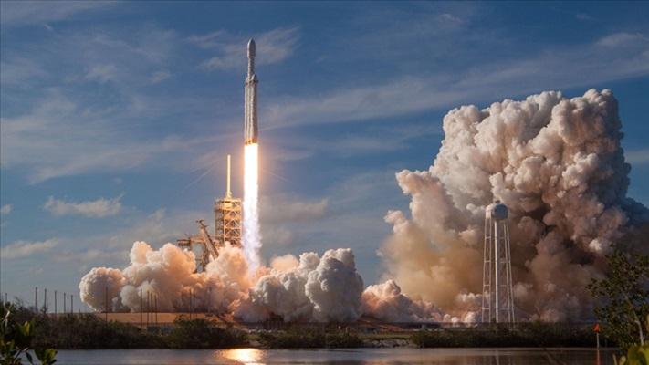 SpaceX aracı ile uzaya fırlatılan astronotlar 'uzayda kalma' rekoru kırdı