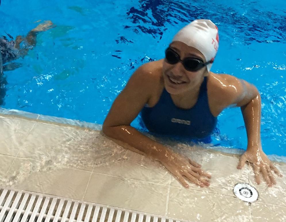 Yüzmede Türkiye Rekorunu Kırdı