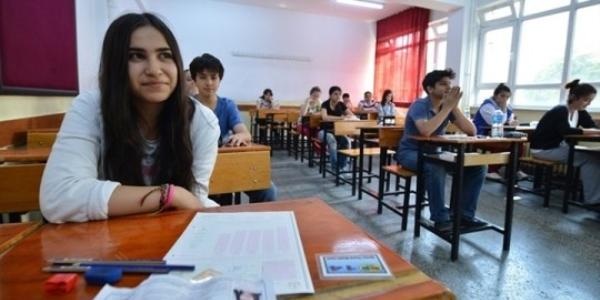 Liselerde Din Kültürü Dersi İki Saate Çıkıyor
