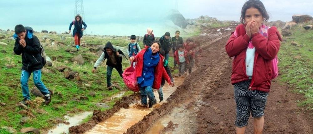Eşek sırtında gidilen çamurlu okul yolu...