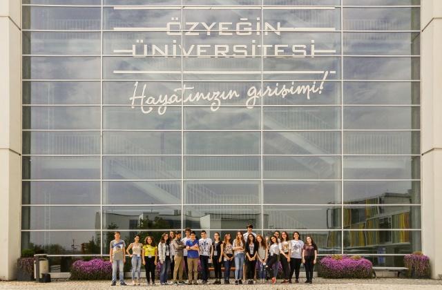 Lse öğrencileri Özyeğin Üniversitesi İşletme Kampı'nda sorunlara çözüm aradı