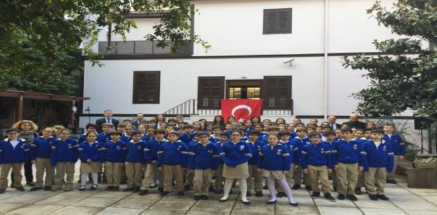 Işık Okulları, 77'inci yıldönümünde Ata'yı Selanik'te andı