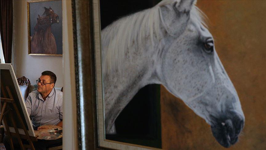 Atları 'tablodan çıkacakmış' gibi resmediyor