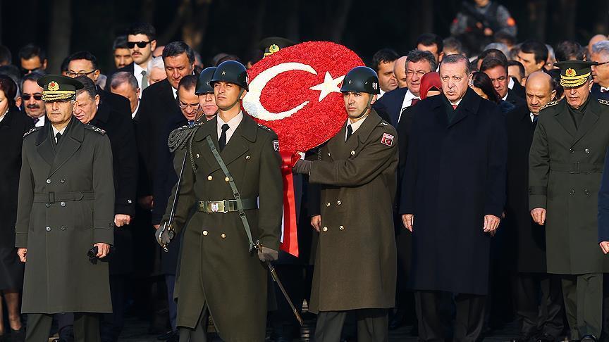 Devlet erkanı Anıtkabir'de Atatürk'ü andı