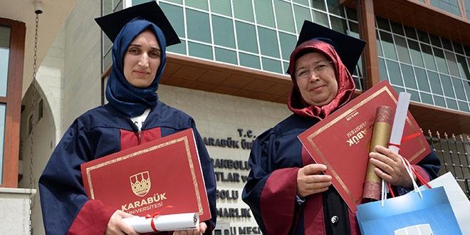 Anne okul birincisi, kızı ikinci