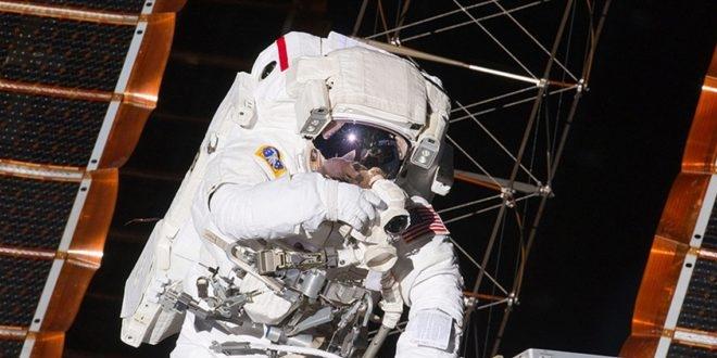 'Uzayda kesintisiz en uzun süre kalma' rekoru kırıldı