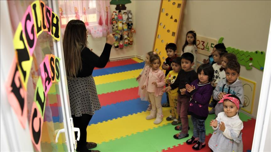 Van'da anaokulunda tam zamanlı İngilizce eğitim