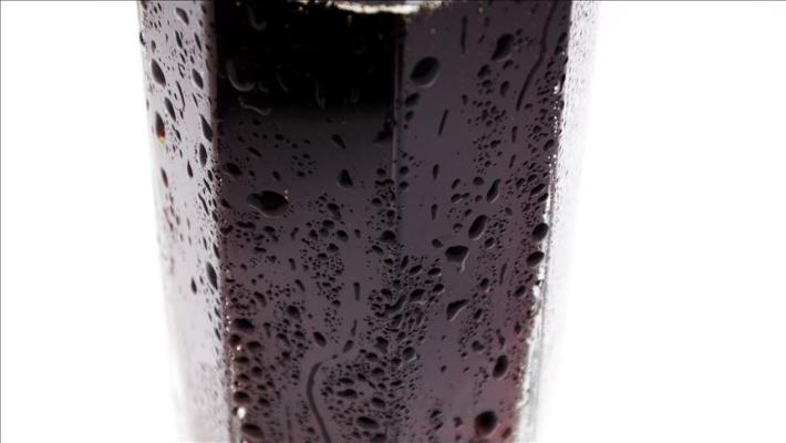 Obeziteyle mücadelede 'şekerli içeceklere vergi artırımı' önerisi