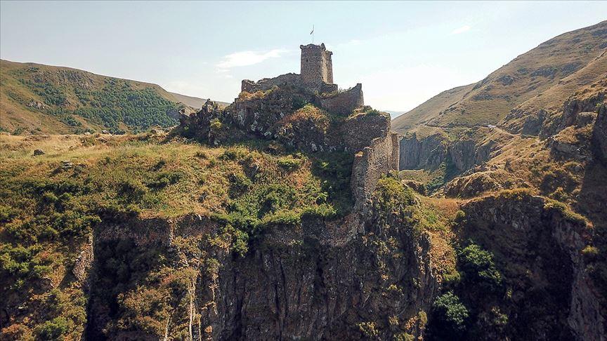 Zirvedeki Şeytan Kalesi'ne turist ilgisi