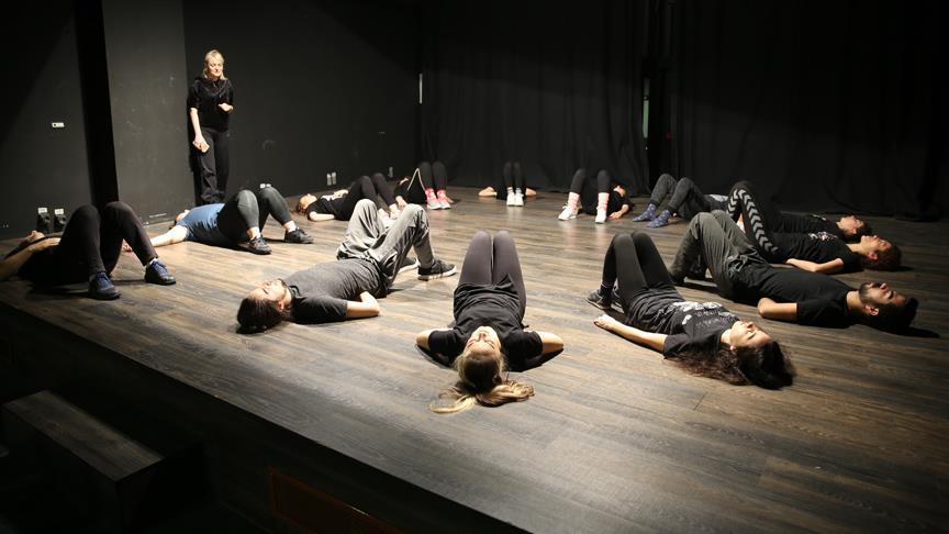 TİYSAV'dan '360 derece' tiyatro eğitimi
