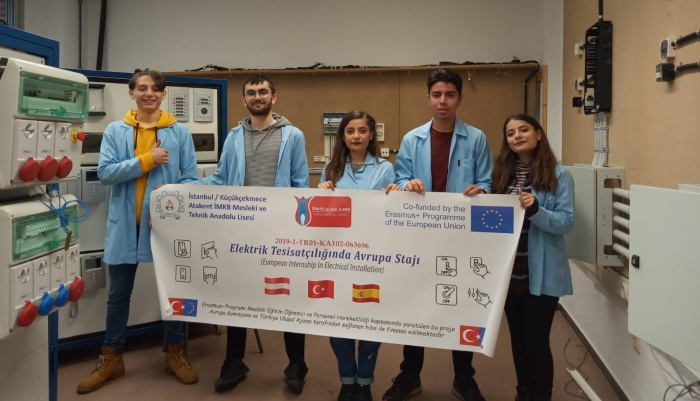 Elektrik Öğrencileri Barselona'da