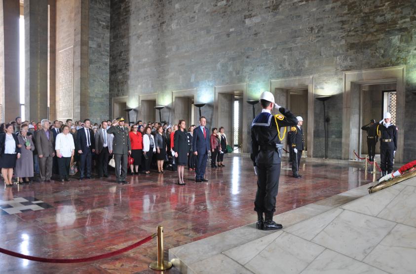 Türk Eğitim Vakfı 47. Yılında Ata'nın Huzurundaydı