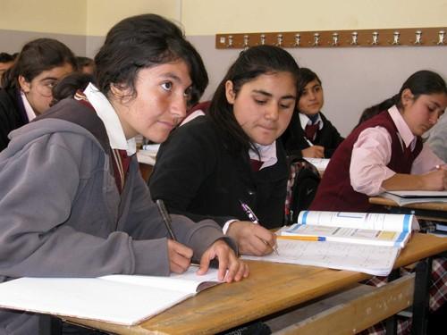 Kız Öğrenciler Akademik Liselerden Uzaklaşıyor!