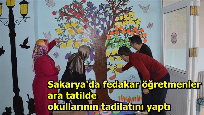 Sakarya'da fedakar öğretmenler ara tatilde okullarının tadilatını yaptı