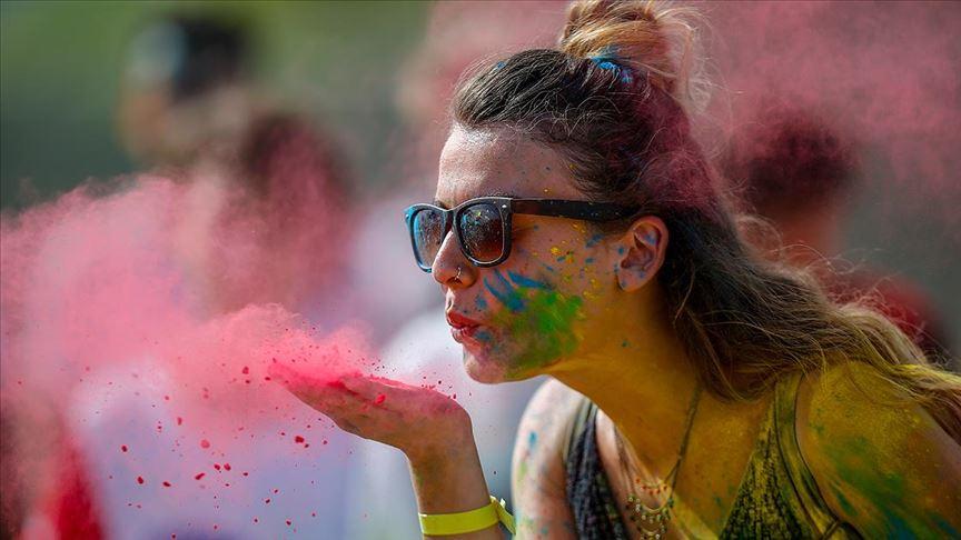 Antalya'da renkli festival