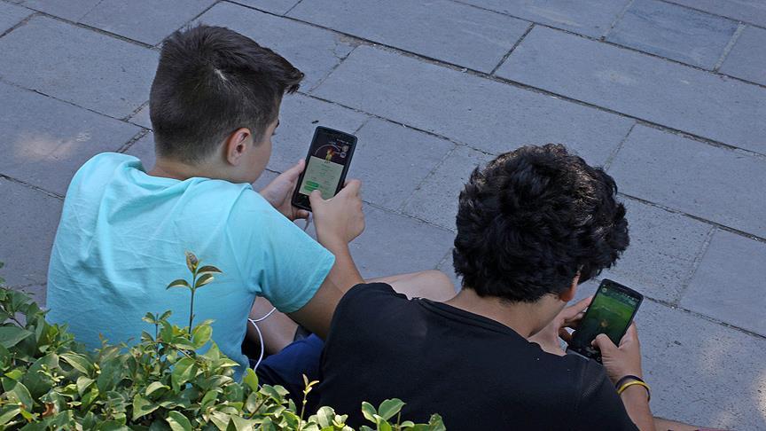 Akıllı telefon ve internet bağımlılığı endişelendiriyor