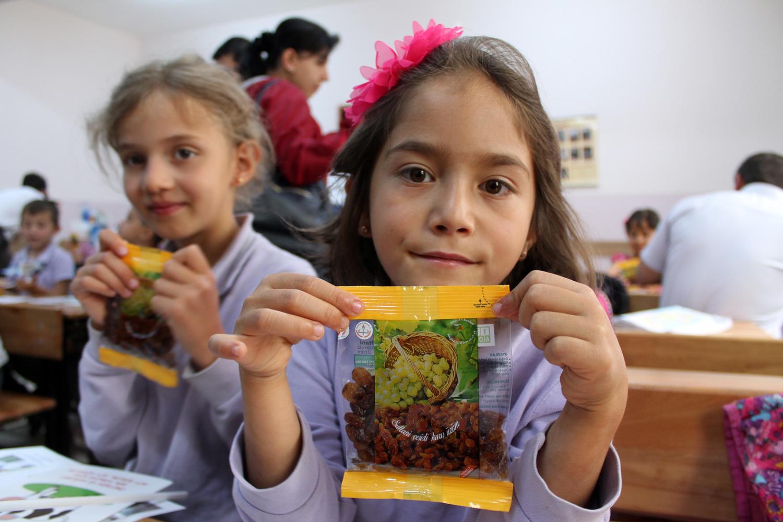 Okullarda dağıtılacak üzümlerde ilaç kalıntısı mı var?