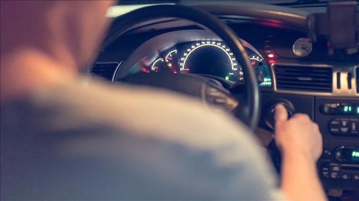Sigara içen ve telefonla konuşan sürücü yapay zekayla tespit edilecek